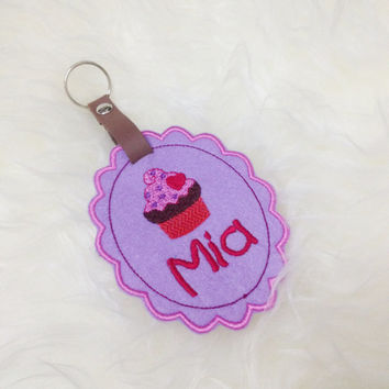 Personalized School/ Diaper/ Luggage Bag Tag - Cupcake Scallop