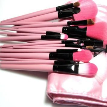 24-Piece Make Up Brush Set by L.A. Minerals® A Registered Trademark