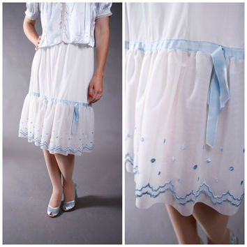 Vintage 1950s Slip - Cute 50s Scalloped Half Slip with Blue Polka Dot Embroidery and Trim
