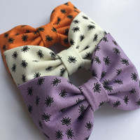 Cute little spider Halloween hair bow set from Seaside Sparrow Bows hair bows for girls hair bows for teens hair bows cute bows toddler bows