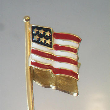 Large American Flag Pin Patriotic Enamel Fashion Accessories Gold Tone Jewelry