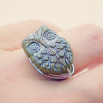 Owl Ring, Opaque Owl Czech Bead Ring. Owl Green Ring, Owl Tribal Boho Rings, Size 6, Animal Jewelry Green Ring, Rustic Ring, Ring for Kids