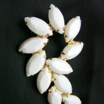 Vintage Milk Glass Brooch / Bold White Glass Brooch / Navette / Marquis / Jewelry / Jewellery