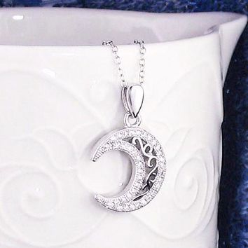 Gleaming Crescent Moon Necklace in Sterling Silver