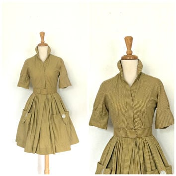 Vintage 50s Shirtwaist Dress / 50s dress / cotton day dress / novelty dress / shirt waist / full skirt /  XS Small