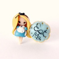 Alice in wonderland stud earring