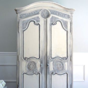 Attirant Vintage HENREDON French Country Louis XV Style Shabby Chic Weathered  Antique White And Grey Armoire /