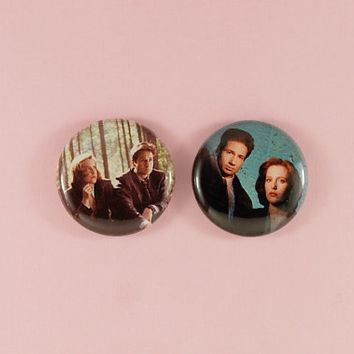"mulder and scully - 1"" buttons"
