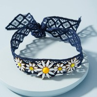 Daisy Lace Choker Necklace