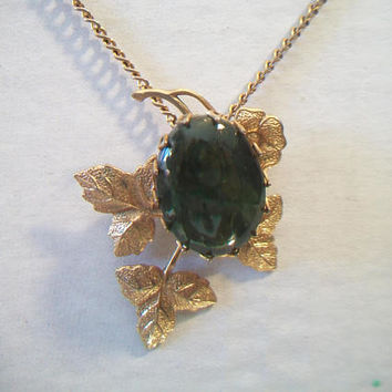 Vintage Jade Grape Leaf Pendant Necklace Green Gold Tone Jewelry Fashion Accessories For Her