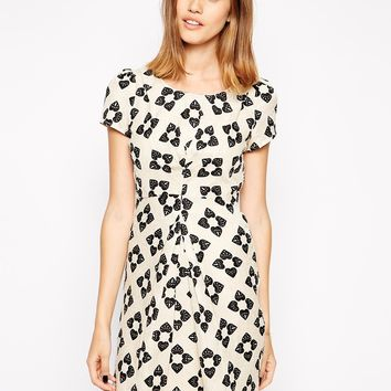 Yumi Twist Front Dress in Heart Print -