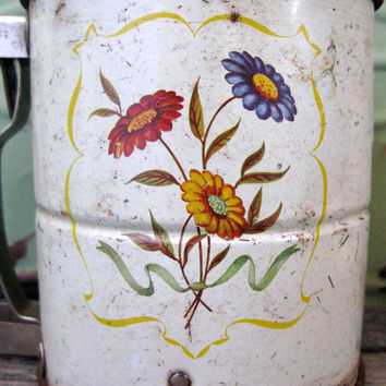 Vintage Flour Sifter, Androck Daisies, Rustic Kitchen, Photo Prop, Kitchen Decor, Baking Collectible