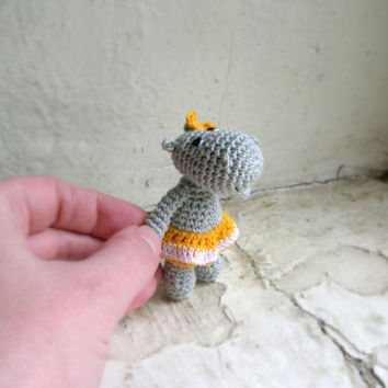 Tiny hippo, miniature crochet hippopotamus, safari jungle animal, crocheted mini animal toy, mini soft toy, gift for children,miniature doll