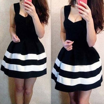Color Block Sleeveless Skater Dress