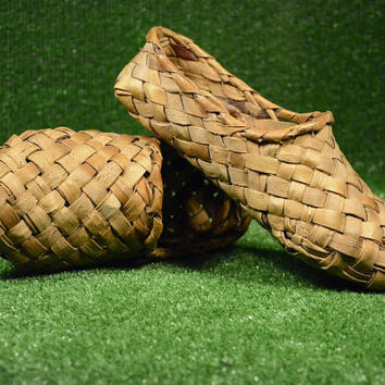 Vintage Souvenir Shoes from Willow Hand Knitted, Handmade Wood Home Deckor, Rustic Deckor,
