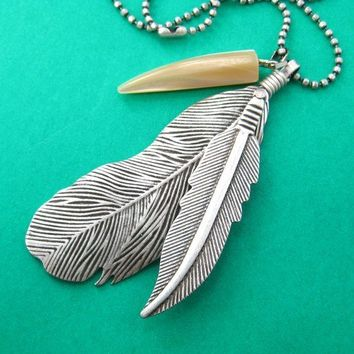Bohemian Feather Pendant Necklace in Silver | DOTOLY