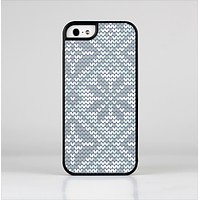 The Knitted Snowflake Fabric Pattern Skin-Sert Case for the Apple iPhone 5/5s