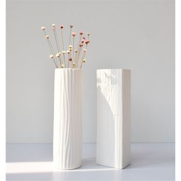 Simple White Ceramic Vase Plant Vase for Home Decor Wedding Decoration , 2 Styles