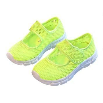 A pair of Kids Breathable Mesh Childrens Shoes Single Net Cloth Sports Shoes Casual Bo