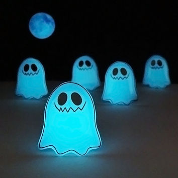 Ghosts are Coming - Necklace Glowing Ghost - Scary Ghost - Halloween Necklace - Glow in the Dark Ghost - Halloween Jewelry - Ghost Necklace