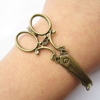 Scissors Bracelet---antique bronze scissors pendant & alloy chain