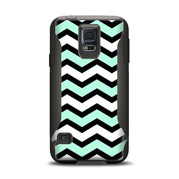 The Teal & Black Wide Chevron Pattern Samsung Galaxy S5 Otterbox Commuter Case Skin Set