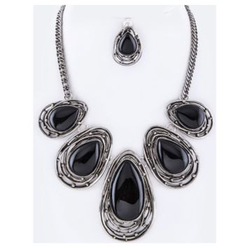 Stunning Wire Art Black Stone Necklace Set