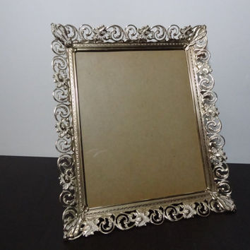 Vintage 8 x 10 Antiqued/White Washed Gold Tone Ornate Metal Filigree Picture Frame - Hollywood Regency/Shabby Chic