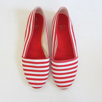 vintage flats. red and white slip ons. preppy beach shoes. slippers.