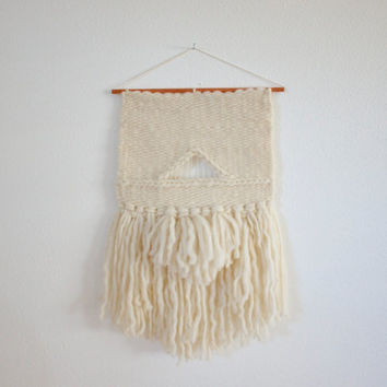 Hand Woven Wall Hanging / Textile Art : Off White Wool Roving