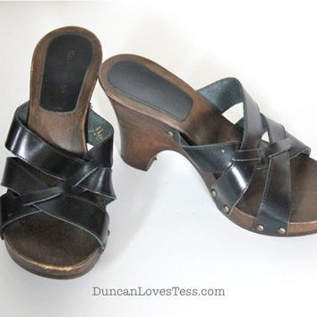Vintage 70s Shoes / Wooden Clogs / Leather Platform Sandals / Studded High Heels / Retro Boho Hippie / Made in Italy / 70s Fashion
