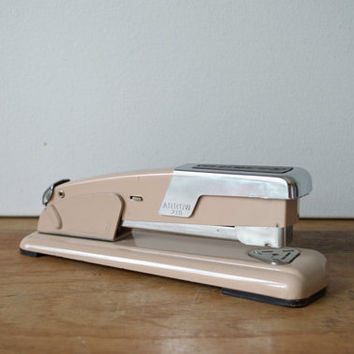 Vintage 1950s Industrial Stapler, Peach Arrow 201 Desk Stapler, Old Office Stapler
