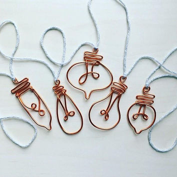 Copper wire vintage lightbulb bunting, garland, industrial style, bulb.