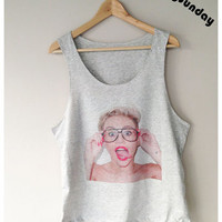 Miley Cyrus Actress Singer Pop Rock R&B Billboard T-Shirt Singlet Vest Sleeveless Grey Color Unisex Man Woman S,M,L