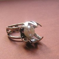 Pearl tulip flower silver ring by FlawlessArt on Etsy