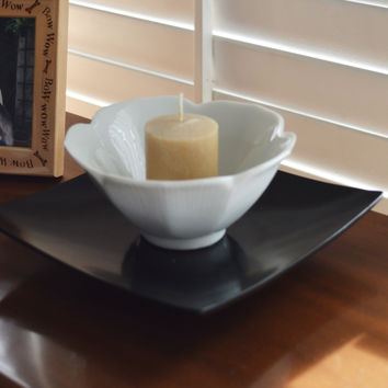 White Lotus Ceramic Tea Light Candle Holder on Black Metal Base