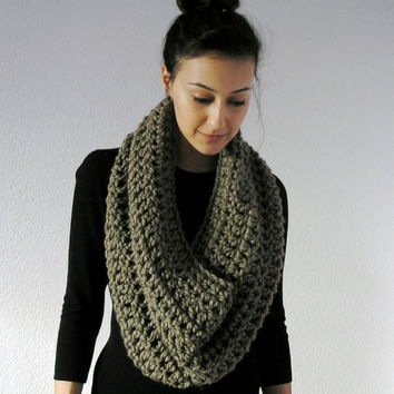 La Rochelle, Chunky Infinity Scarf - TAUPE