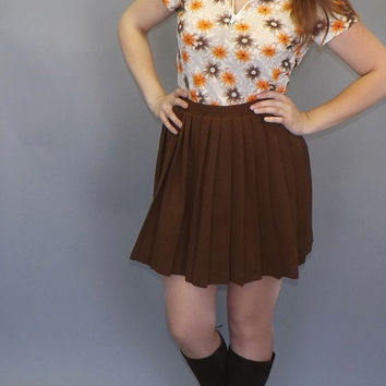 Vintage 1960s 70s Brown Orange White Daisy Floral Rayon Cropped Blouse Top Shirt Prairie Folk Boho Pointy Collar Hippie Kitsch Small