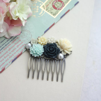 Navy Dark Blue Rose, Mint Blue Mum, Ivory, Pearl, Flower Hair Comb. Bridesmaid Gift. Navy and Mint Wedding. Bridal Wedding. Summer Weddings