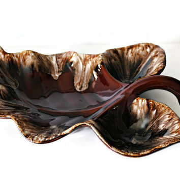 Hull Oven Proof Drip Glaze Pottery Leaf Candy or Chip Dish - (100.63)