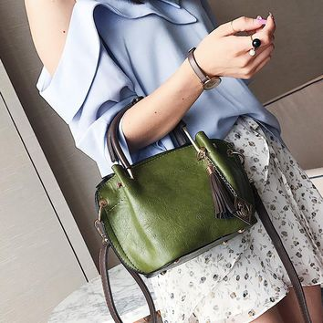 Queenplus 2017 Women's Handbag Korean fashion tassel wings bag commuter shoulder bag Messenger bag Bolsa feminina femme