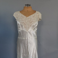 Size Large Vintage 1940s Ivory Silk Lace Bennington Nightgown Lingerie Pin Up Boudoir Noir Fashion Long 40s Gown Wedding Night Lingerie 40s