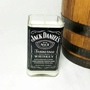 Recycled Jack Daniels Whisky Bottle Scented Soy Wax Candle/Whisky Bottle Candle/Glass Bottle/Whisky Scent