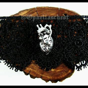 Anatomical Heart Choker, Anatomical Heart Necklace, Human Heart Choker, Black Lace Choker, Collar, Lace Collar, Goth, Cosplay, Victorian