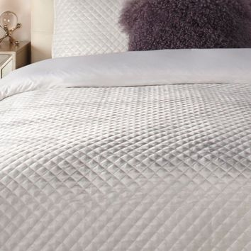 Newbury Bedding - Pearl | Entertain Riley Bedroom Inspiration | Bedroom Inspiration | Inspiration | Z Gallerie