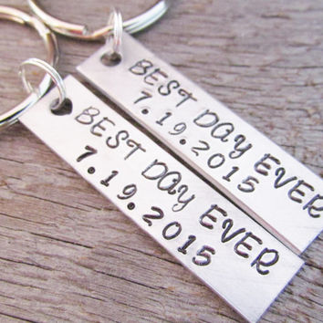 SET of 2 Couples Key Chain Custom Best Day Ever With DATE WEDDING Keychains Hand Stamped Personalized Made To Order Anniversary Engagement