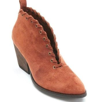ICIKAB3 Coconuts by Matisse Alabama Saddle V-Cut Booties