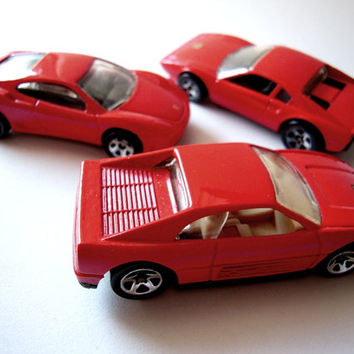 Set of 3 hot red Ferrari toy cars, 1970s and 1990s toy cars, exotic sports cars, Formula One race, collectibles, photo props, die cast cars.