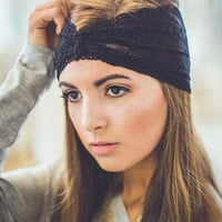 Vintage Lace Headband in Black