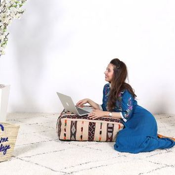 Pillows, living room pillow, Handmade pouf, Handmade pillow, Moroccan pillow, Moroccan floor pouf, Moroccan cushion, Wool cushion, wool pouf